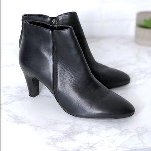 Bandolino Black Leather Zip Ankle Boots Heels